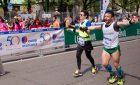 Fabio presta i suoi occhi a Chiara e assieme tagliano il traguardo della Milano Marathon